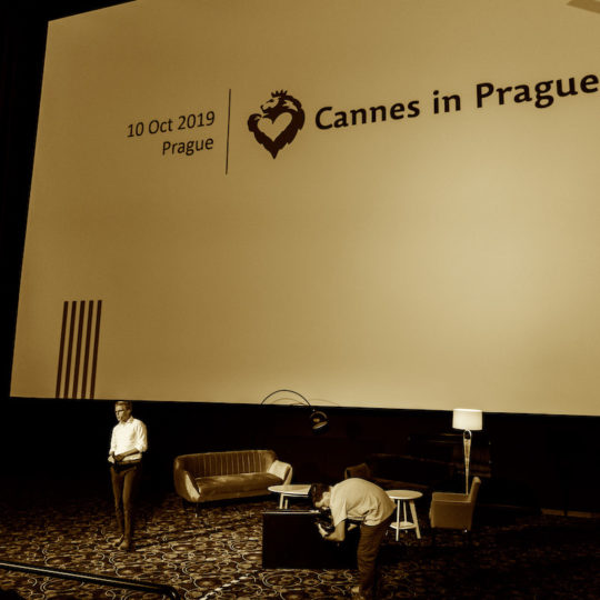 https://cannesinprague.cz/wp-content/uploads/2019/10/15A7780-540x540.jpg