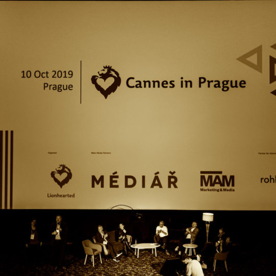 https://cannesinprague.cz/wp-content/uploads/2019/10/15A8017-540x540.jpg